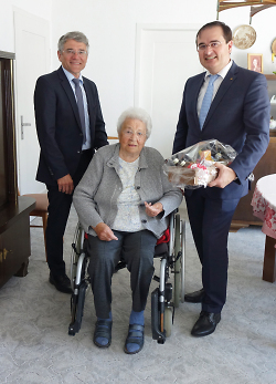 Ortsvorsteher Patriz Ilg, Hedwig Feil und Erster Bürgermeister Wolfgang Steidle.