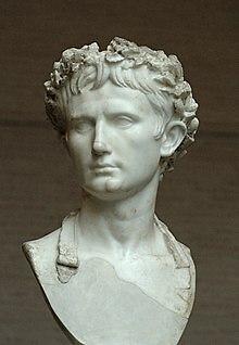 Auf dem Bild ist das Portrait des Kaisers Augustus zu sehen.