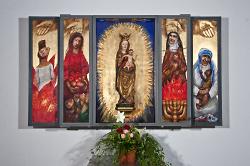 Der Frauenaltar in der katholische Kirche St. Stephanus