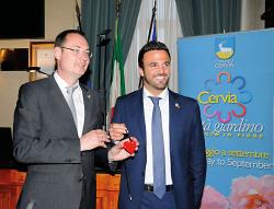 Oberbürgermeister Thilo Rentschler und Cervias Bürgermeister Luca Coffari.