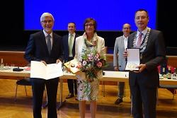Landrat Klaus Pavel wird am Donnerstagabend mit der Großen Ehrenplakette der Stadt Aalen in Silber ausgezeichnet