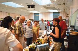 Bei der Bürgerinformation stellten sich verschiedene regionale Händler mt ihren Produkten vor.