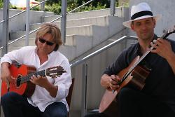 Das Gitarrenduo ?Magic-Acoustic-Guitars.