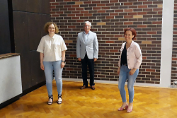 v.l. Susanne Bernhard, Ortsvorsteher Jürgen Opferkuch, Nadine Patzelt