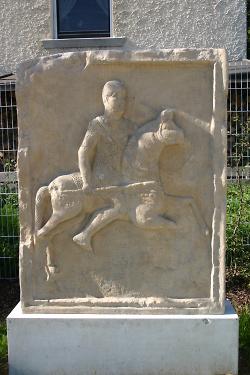 Grabstein eines Reiters der ALA II FL