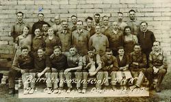 Karl Schiele (blaues Kreuz) mit seinen SHW-Kollegen