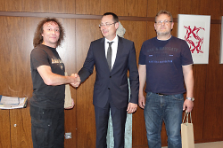 v.l.n.r. Alex Hafner, Oberbürgermeister Thilo Rentschler und Peter Ritter.