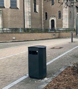 Auf diesem Bild ist einer der neuen Mülleimer in Wasseralfingen zu sehen.