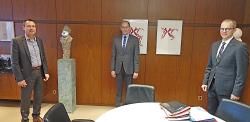 OB Thilo Rentschler (li.) begrüßte Roland Wendel (Mitte) und Kurt Abele im Rathaus.