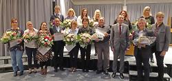 OB Thilo Rentschler sprach beim Neujahrsempfang im Albstift und ehrte mit Leiterin Andrea Wurm langjährige Mitarbeiter.
