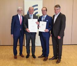 v.l.n.r. Landrat Klaus Pavel, Innenminister Thomas Strobl MdL, Bürgermeister Karl-Heinz Ehrmann und Winfried Mack MdL.