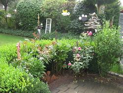 Auf diesem Bild ist einer der Gärten vom Blumenschmuckwettbewerb 2021 zu sehen.