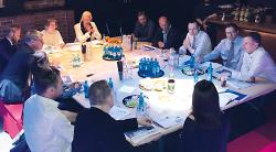 In der ?Tonfabrik? tauschten sich die Vertreter des Quartiers Aalen Süd mit OB Thilo Rentschler und weiteren Vertretern der Stadtverwaltung aus.