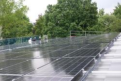 Photovoltaik-Anlage ist am Freibad Spiesel installiert