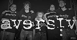 Musik vom Rathausdach: Die Band Aversiv kommt