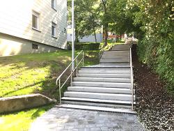 Die neugestaltete Treppe zwischen Saum- und Hangweg.