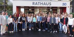 Bürgermeister Karl-Heinz Ehrmann begrüßte die neuen Auszubildenden