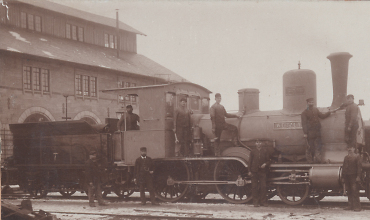 Die Dampflokomotive Wetzlar der königlich württembergischen Staatseisenbahn nach dem Umbau in der Reparaturwerkstätte Aalen, 1896.