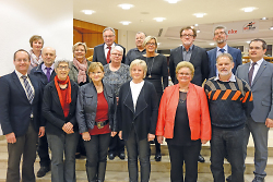 In den Ruhestand wurden verabschiedet: Werner Loos, Margrit Baumann, Monika Gorczychowski, Alois Hradek, Margrit Guschelbauer, Wolfgang Kutscherauer, Margarete Burgenmeister, Hildegart Wackenhut, Hans Häußler, Doris Sauter, Martin Sandel und Peter Hocke.