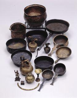 Bronzegefäße