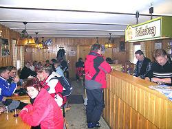 Skihüttenatmosphäre pur bei Familie Bihr