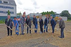 OB Rentschler, Geschäftsführer der Wohnungsbau Aalen Robert Ihl und Erster Bürgermeister Wolfgang Steidle gaben den Startschuss für den Neubau.