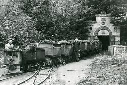 Grubenbahn vor dem Tiefen Stollen um 1920