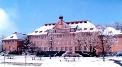 Das Schubart-Gymnasium, eröffnet 1912 als Parkschule.